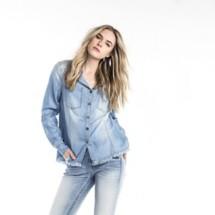 Women's Miss Me Denim Blue Button-Up Long Sleeve Shirt