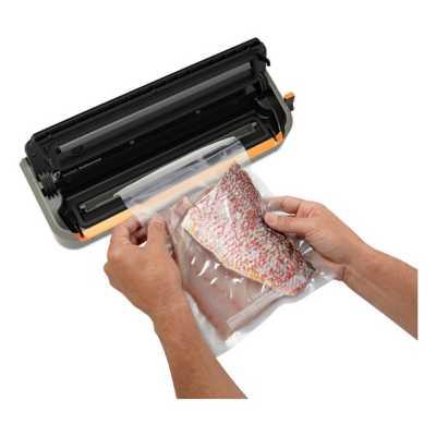 FoodSaver GameSaver Outdoorsman Plus GM2060 Vacuum Sealer