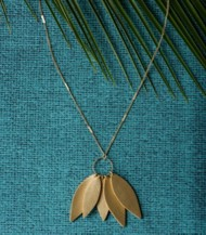 Women's Downeast Leaf Loop Necklace