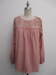 Women's Doe & Rae Lace Yoke 3/4 Sleeve Shirt