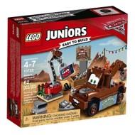 LEGO Juniors Mater's Junkyard Building Kit
