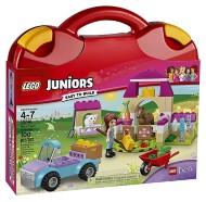 LEGO Juniors Mia's Farm Suitcase Building Kit