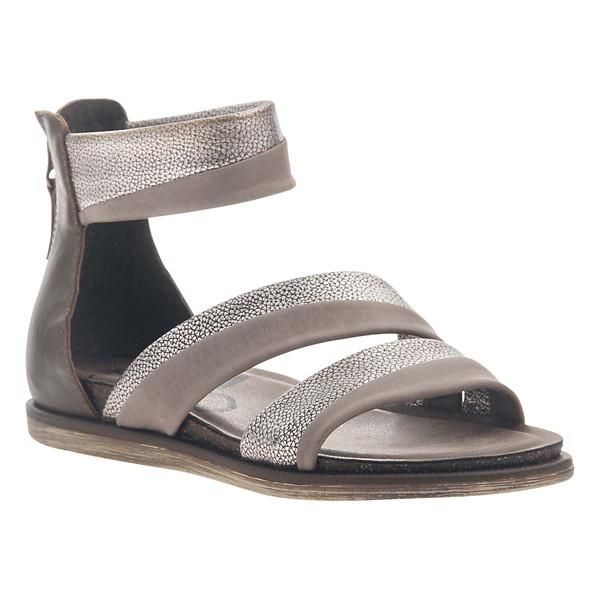OTBT Souvenir Flat Sandal(Women's) -Black Leather