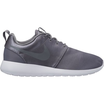 Women's Nike Roshe One Premium Shoes